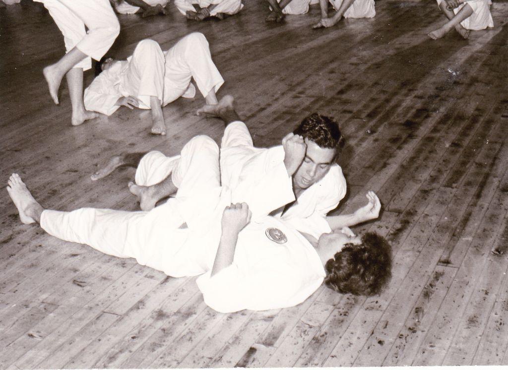 Kurt Hohenrainer zeigt eine Allkampftechnik