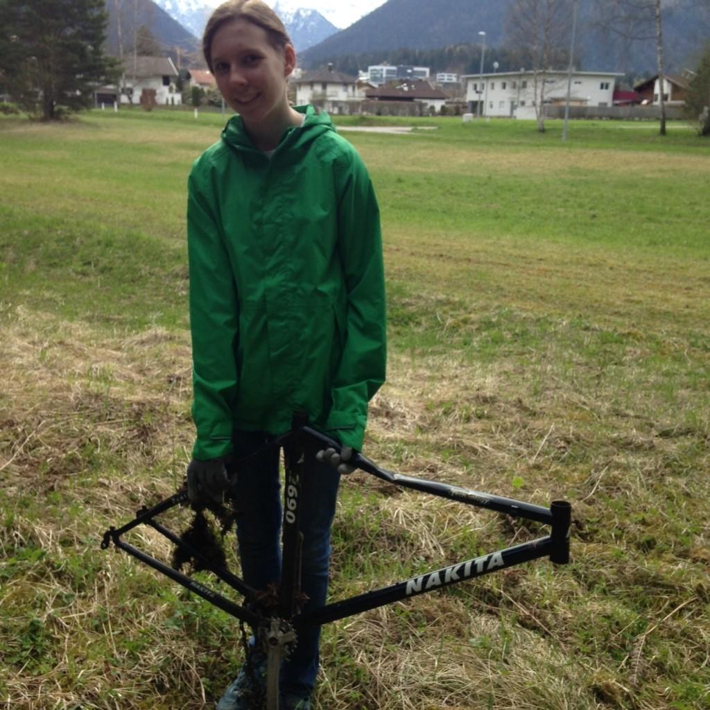 Julia baut sich ein Fahrrad