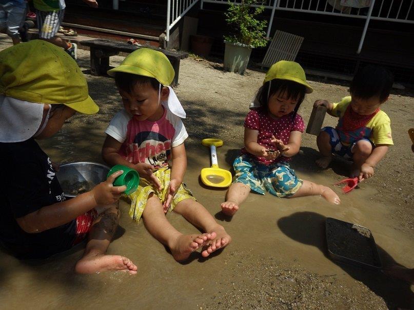 <0・1・2歳児>夏は思いきり、プールあそびに水あそび、どろんこあそび!