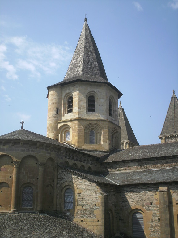 Conques Aveyron abbatiale