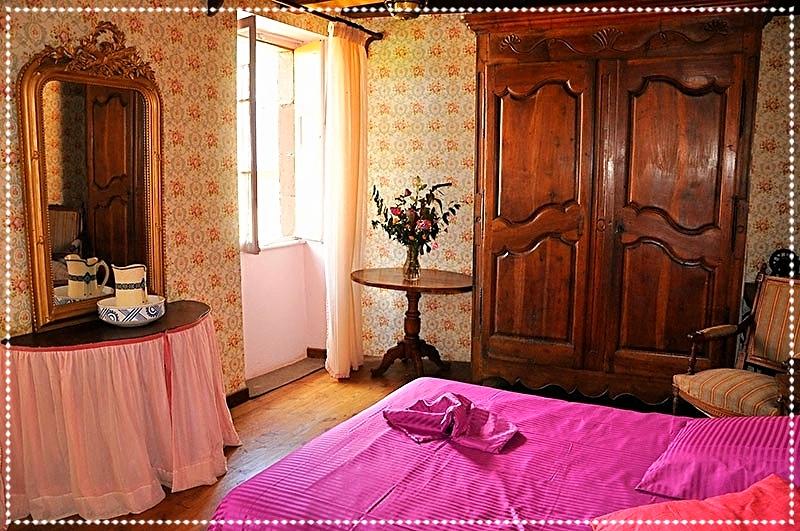 bureau de la chambre rose