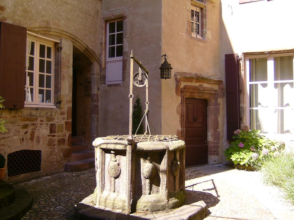RODEZ Aveyron  fontaine