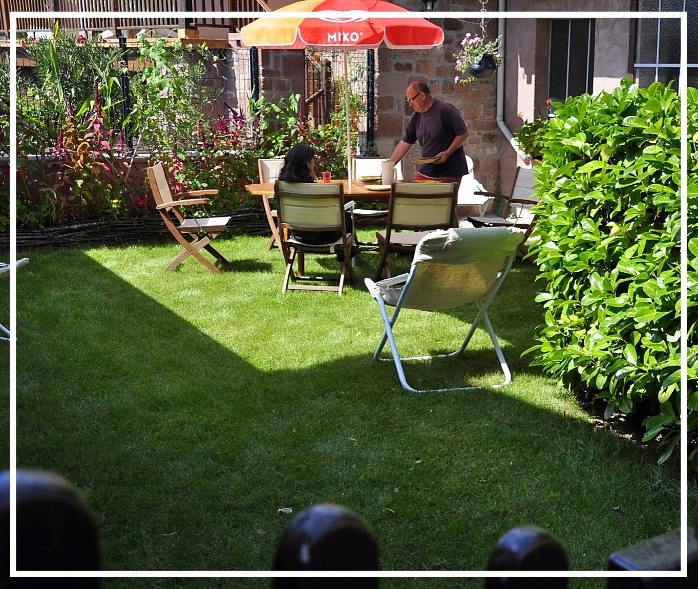 jardin clos de la maison