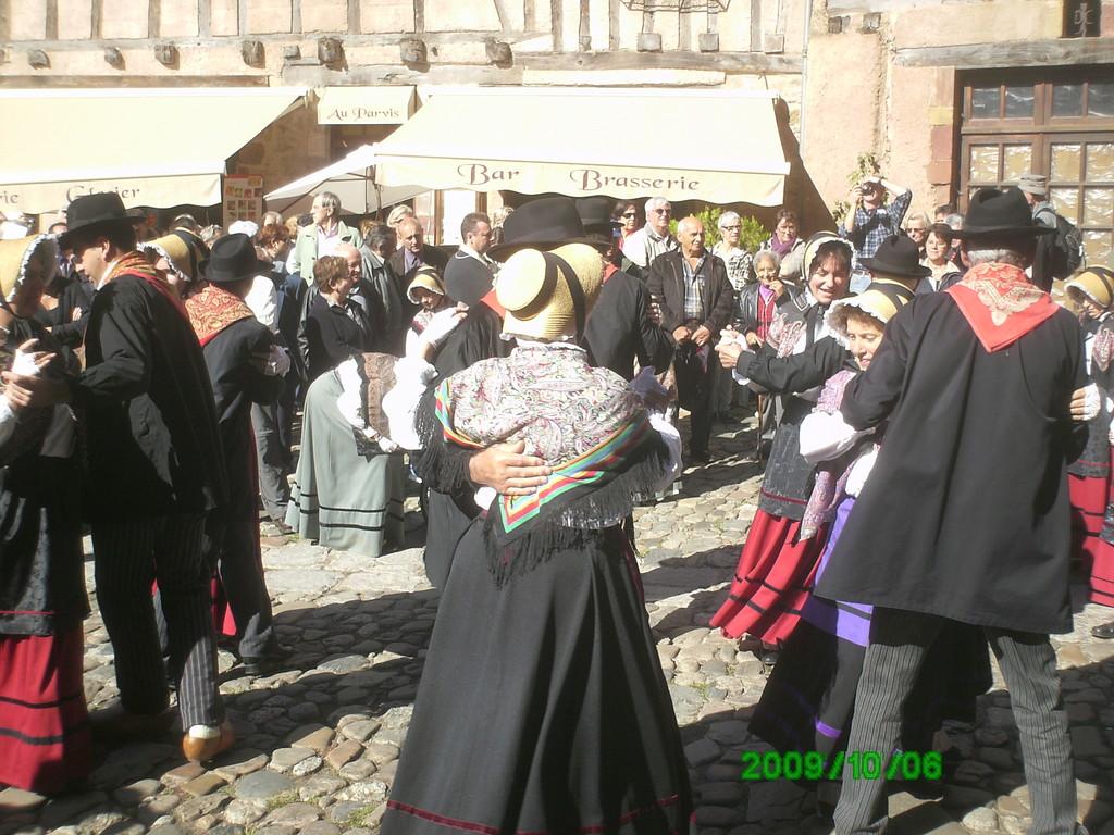 Tradition folkloriques  du Rouergue à Conques Aveyron