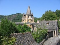 Conques Aveyron 12 Clocher