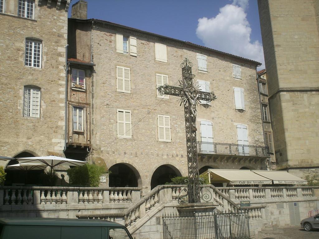 Villefranche de Rouergue Aveyron 12