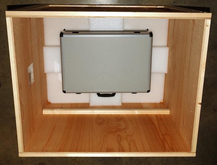 Versandbehälter für Projection Lens mit Koffer