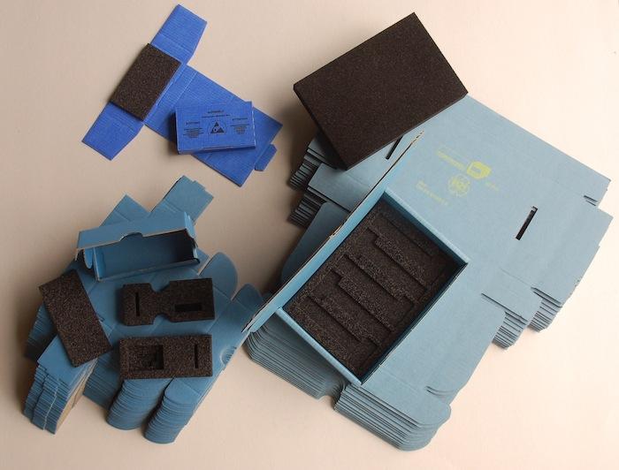Verpackung zum Schutz vor elektrostatischen Gefahren