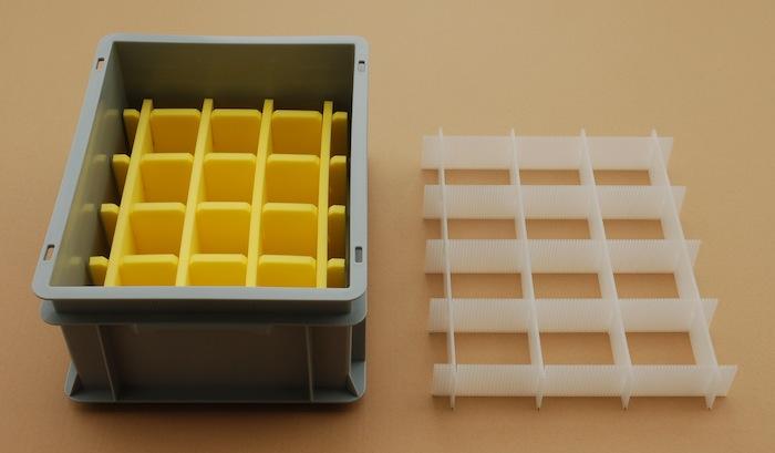 Gitterfächer aus Kunststoff
