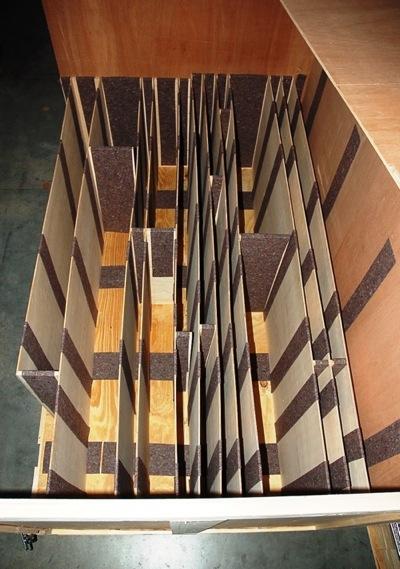 Pendelbehälter für Verkleidung Paragon