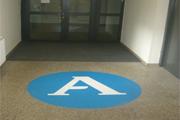 Fußbodenaufkleber für (fast) alle glatten Untergründe