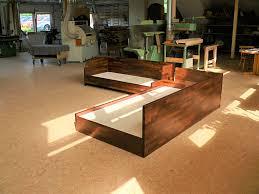 Bauhausstil Massivholz-Sofa aus Robinie
