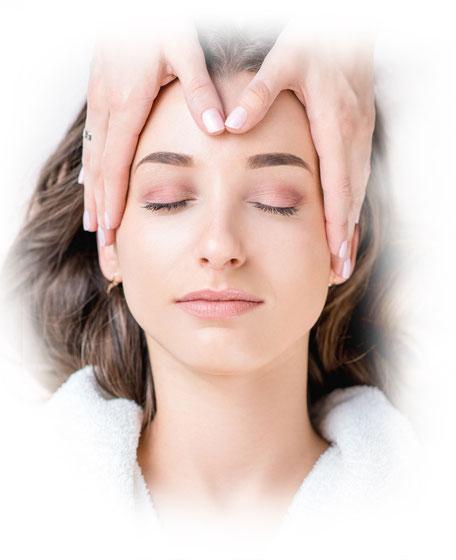 Frau Behandlung für unreine Haut