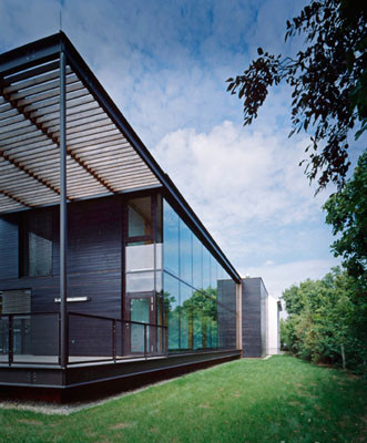 Verglaster Erschließungsgang mit Stiegenhaus; Foto © G. Zugmann