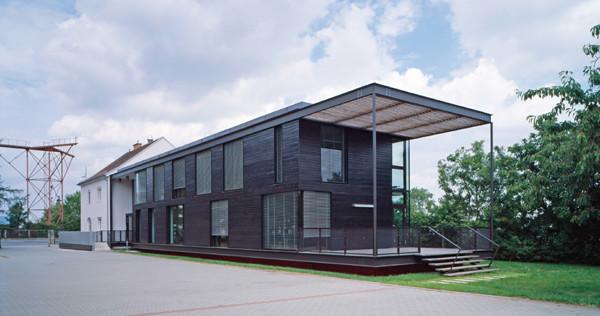 Erweiterung und Renovierung Bürogebäude Wildbach- und Lawinenverbauung Wr. Neustadt-AT, 2008-2010 - Foto © G. Zugmann