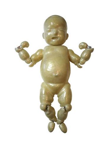 "Baby1""Girl"" / 2004年制作 / 70×50×25cm / セロハンテープ"