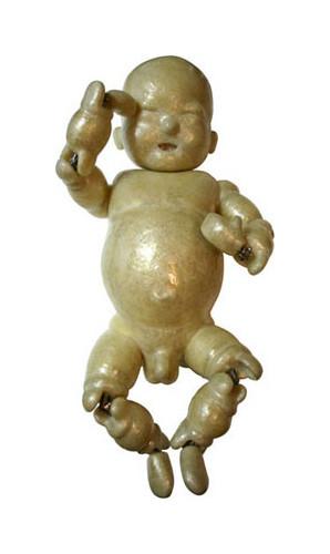 "Baby1""Boy"" / 2004年制作 / 70×35×30cm / セロハンテープ"
