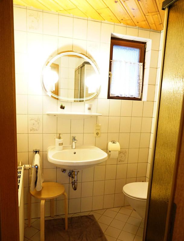 Müllerleile-Hof FeWo Gänseblümchen, Badezimmer