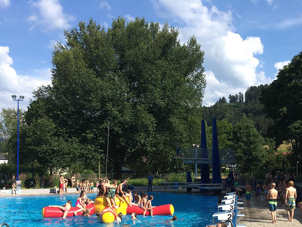 Freibadvergnügen in Steinach