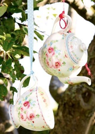 Teekanne und Teetasse Simone white