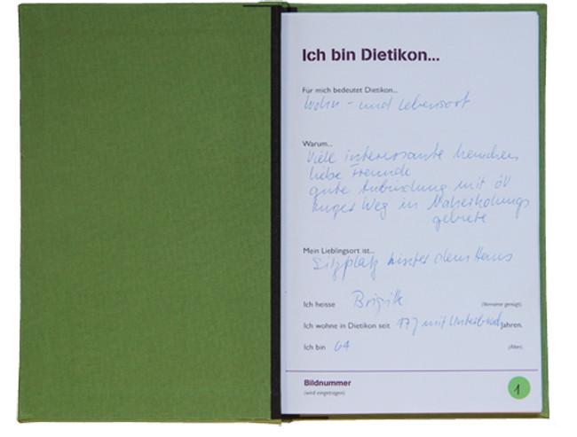 Erzählzettel für die Partizipation der Ausstellungsbesucher