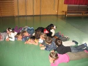Lotte bei der Arbeit im Kindergarten