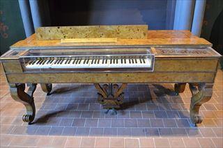 ピアノに近づくクラヴィコードとチェンバロ