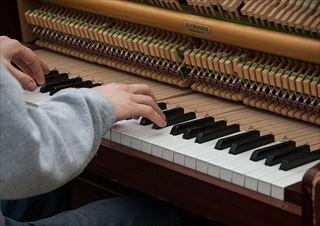 ピアノに調律とメンテナンスが必要な理由