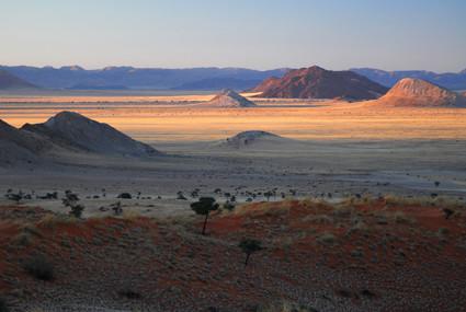 Sonnenaufgang im Tsondab Valley Scenic Reserve