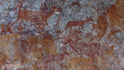 Zeichnungen in der Nswatugi Cave