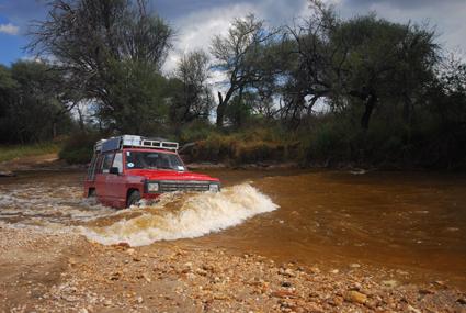 Wasserdurchfahrt in Namibia