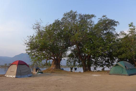 Camp am Zambezi-Ufer