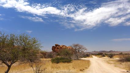 Straßenverlauf im Damaraland