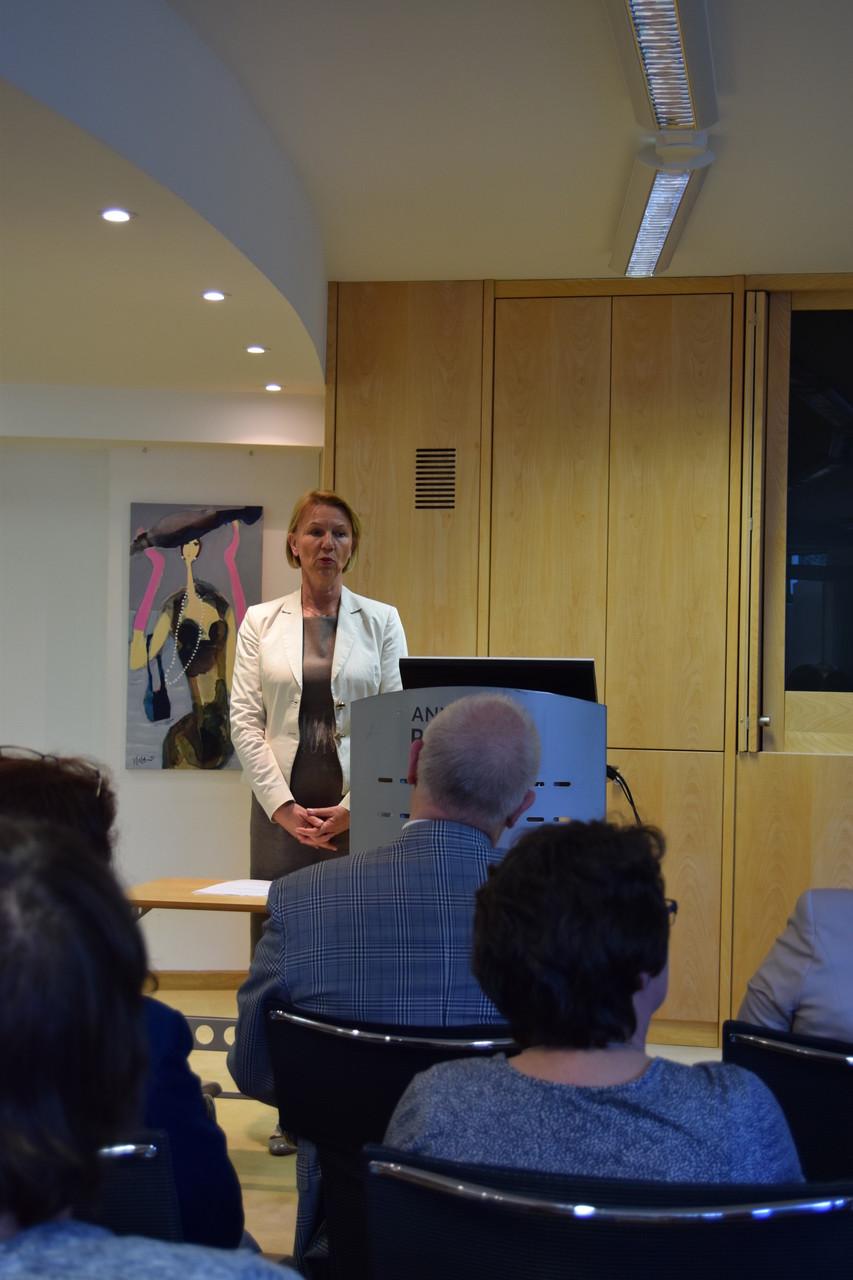 ufh Forum Begrüssung Frau Lindner, Geschäftsleitung