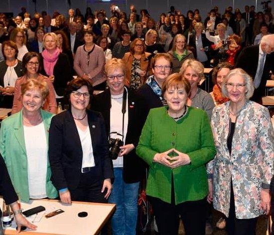 """03-2019 Frau Merkel bei """"Frauen im Handwerk"""", München, UFH Fachtagung"""