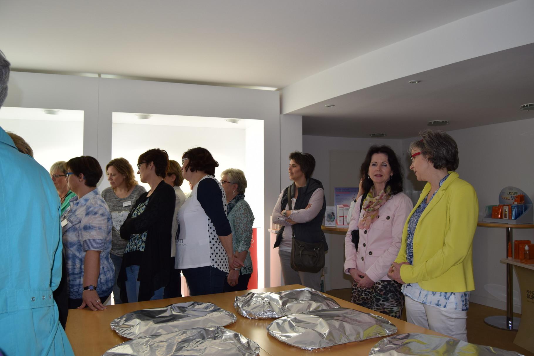 ufh Forum 04-16 mit Teilnehmern aus 5 Arbeitskeisen