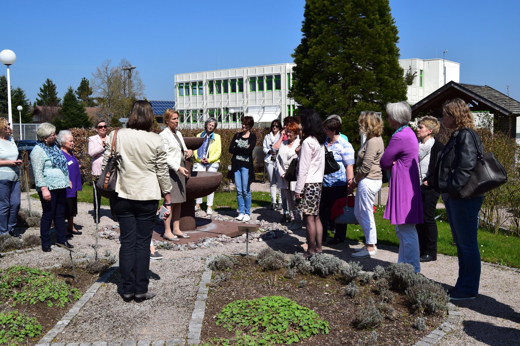 ufh Forum Besichtigung Kräutergarten Firma Börlind