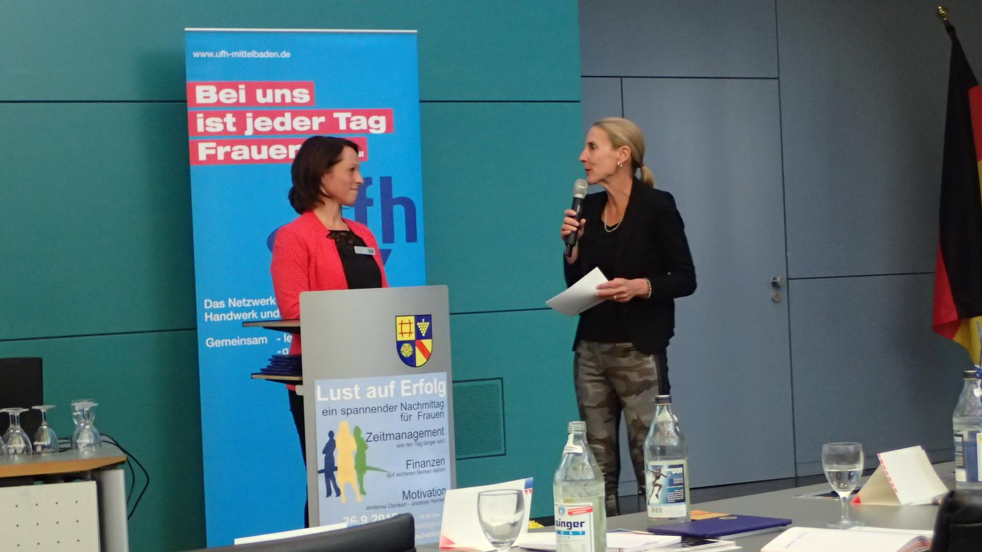 09-18 Referentin Christine Lauinger, Moderation Brigitta Lenhard