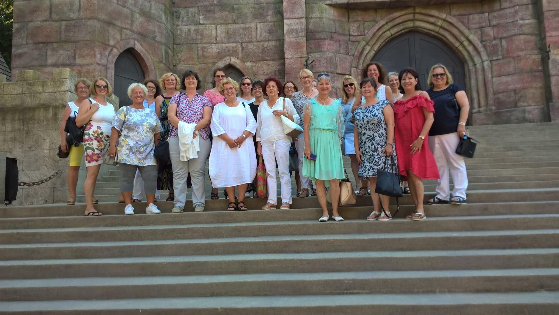 08-18 Akteurinnen des Sommerprogramms, Freilichtbühne Ötigheim