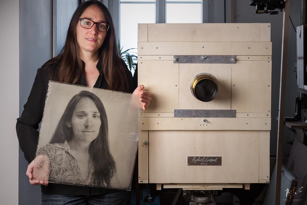 Portrait au collodion humide sur verre 40x40cm réalisée par mes soins avec une chambre photographique de ma fabrication.