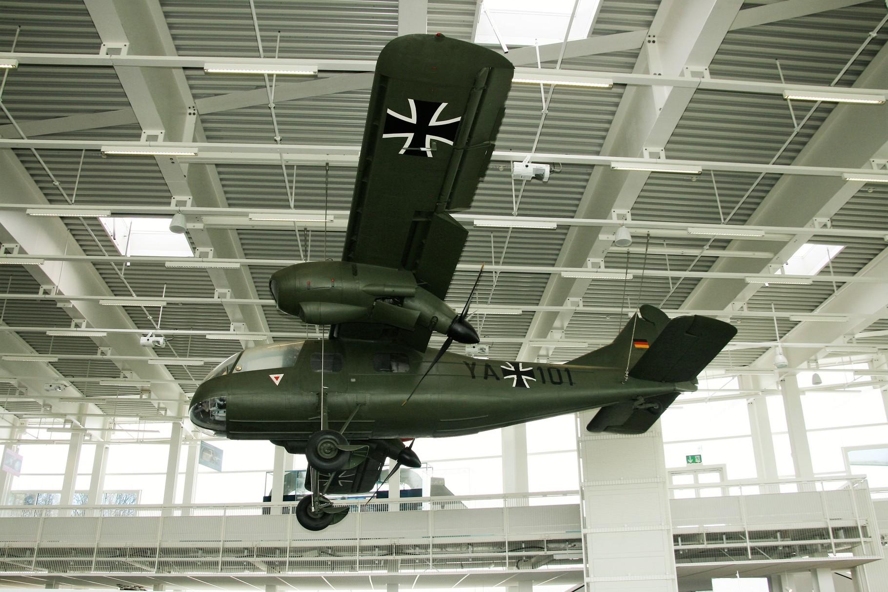 Militärmaschine