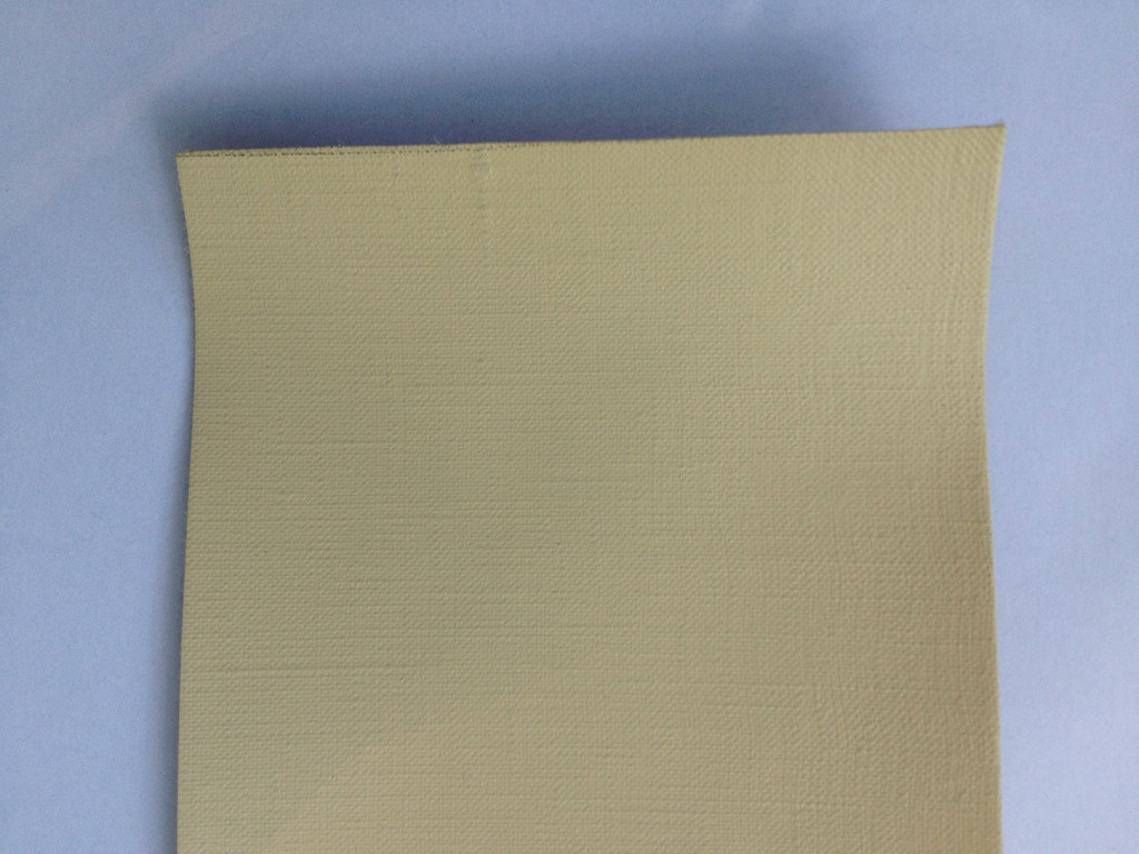 114 Linen fine, cream, four layers, acrylic primed, 216 cm