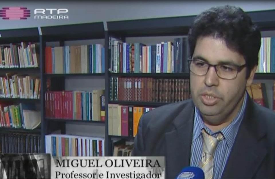Miguel Oliveira em entrevista com Catarina Cadavez da RTP-Mateira na Biblioteca Municipal do Funchal. © RTP-Madeira