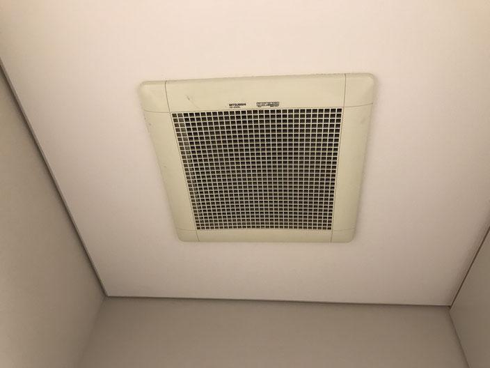 不調となったテナントビルのトイレ換気扇