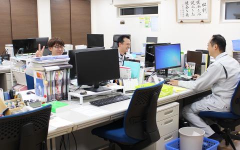 株式会社FPIの事務所内部