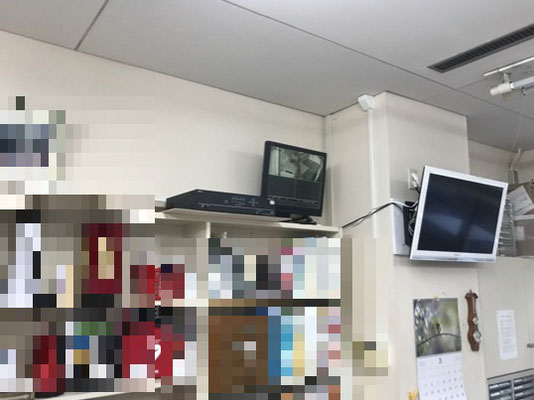 事務所内に設置された防犯用監視カメラのモニター&レコーダー【新潟市西区|老人ホーム