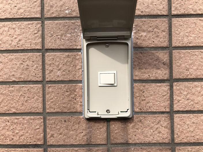 故障した外灯照明のスイッチ【新潟市中央区内の病院】