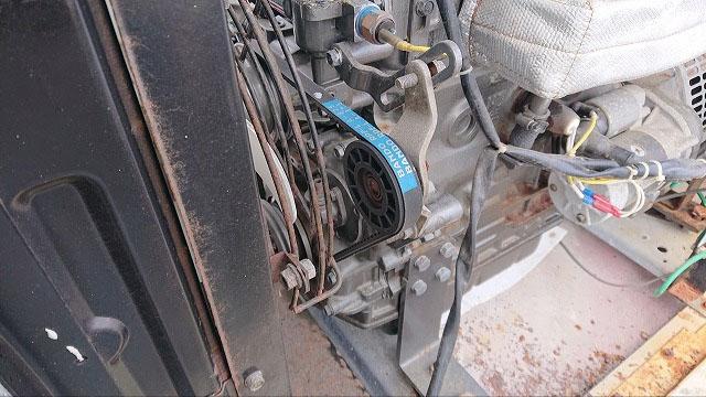 非常用発電機の保守・整備・メンテナンス作業【Vベルト交換の様子1】
