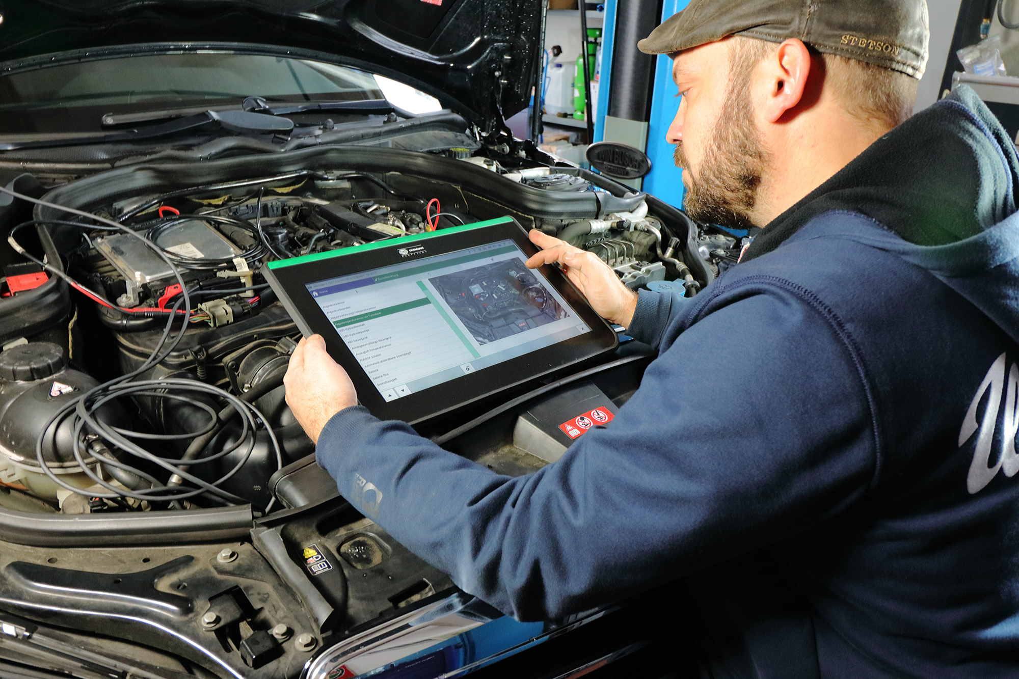 Motordiagnose: Mit High-End Technik dem Fehler auf der Spur.