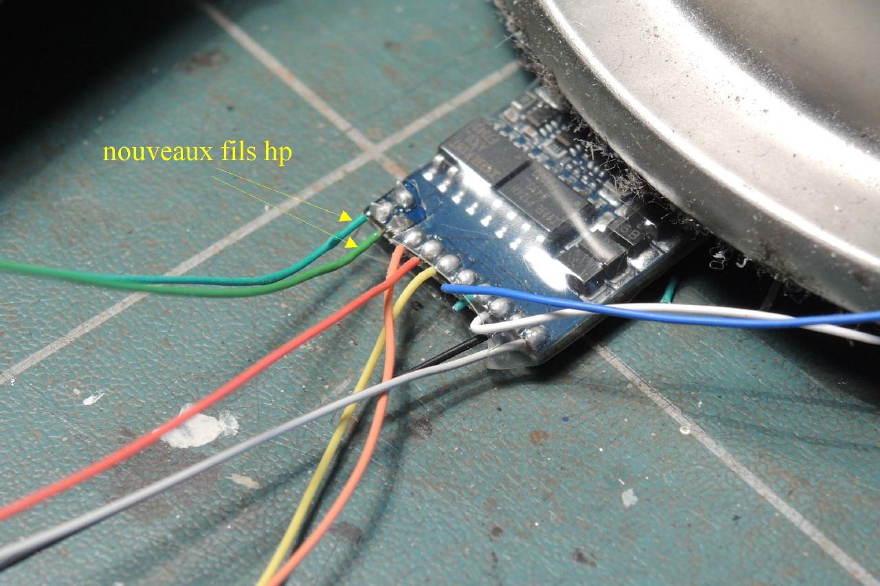 Pour souder sur le décodeur, procéder avec rapidité et maîtrise, cela coute cher ce truc!